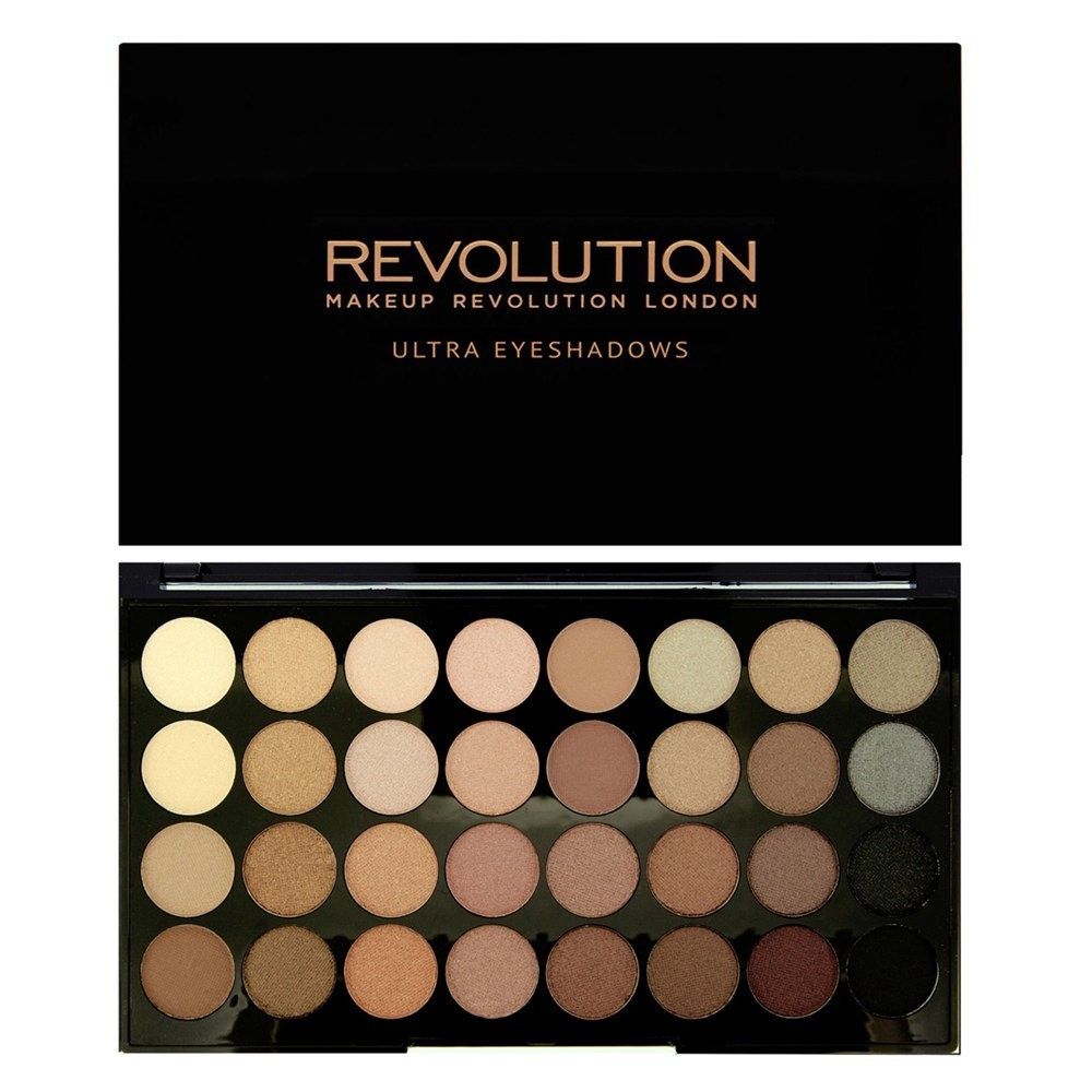 Набор из 32 оттенков теней REVOLUTION Makeup 32 eyeshadow palette Beyond Flawless