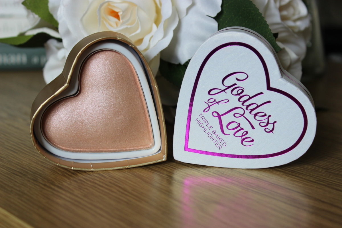 Хайлайтер BLUSHING HEART Goddess of Love Highlighter
