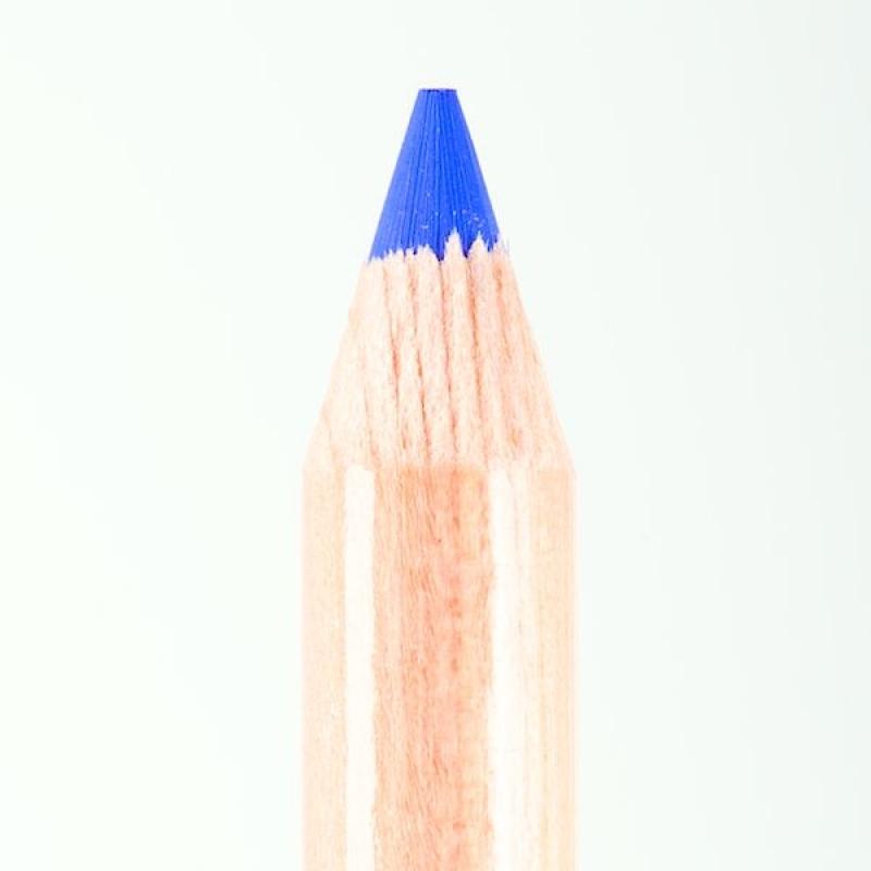 Профессиональный контурный карандаш для глаз Miss Tais 703