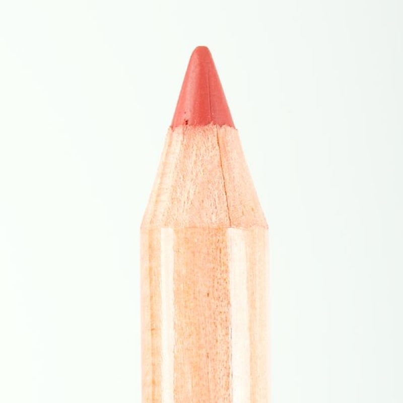 Профессиональный контурный карандаш для губ Miss Tais (Чехия) 782